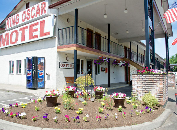 King Oscar Motel Centralia Front Entrance